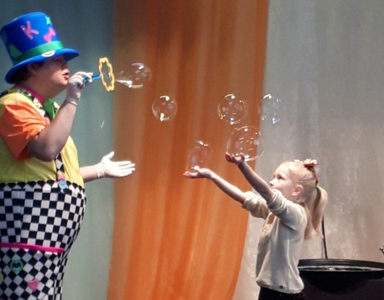 Шоу мыльных пузырей в Повракульском СДК